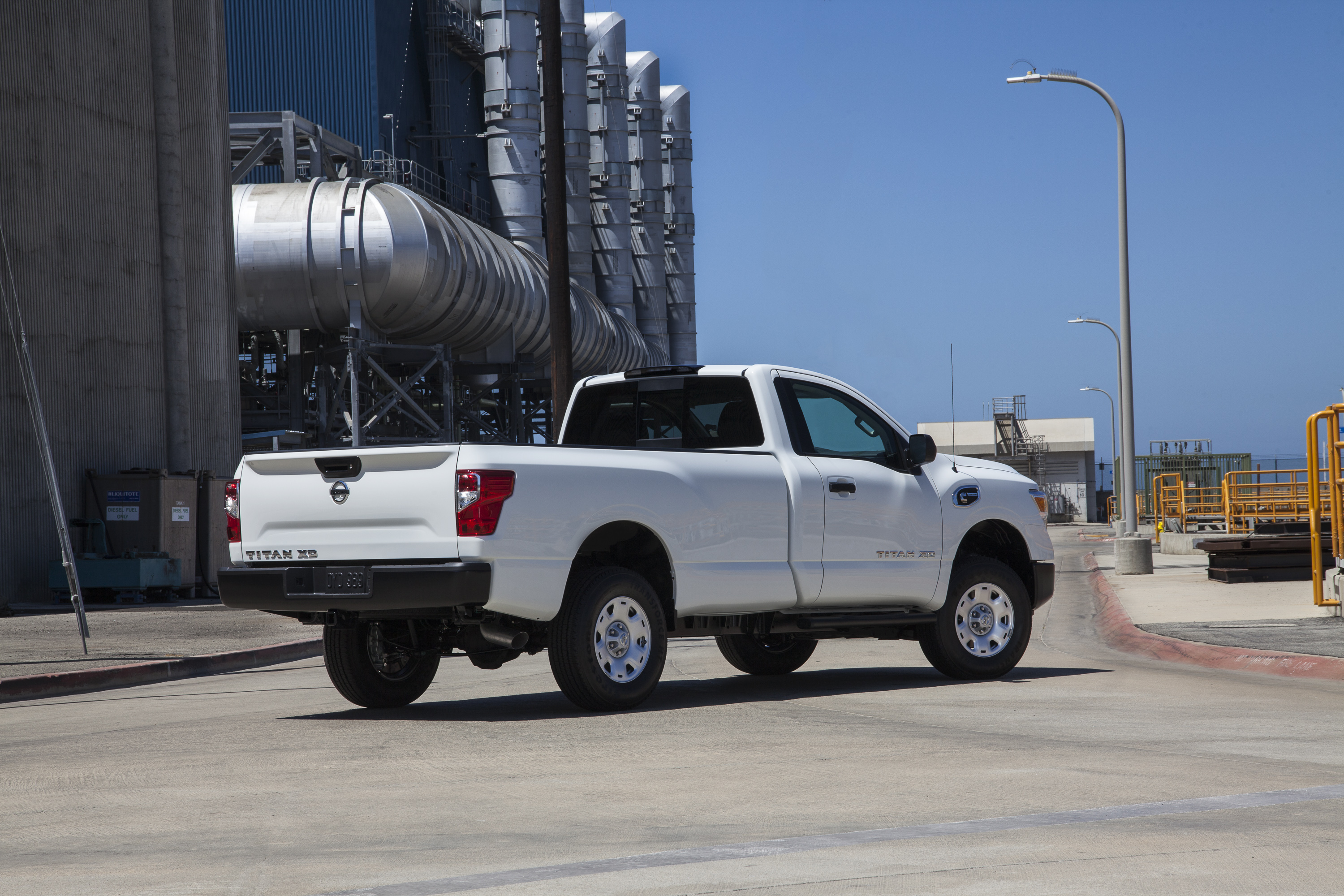 The 2017 TITAN XD Single Cab, like the TITAN XD Crew Cab, will be offered in a choice of two engines – the Cummins® 5.0L V8 Turbo Diesel, which is rated at 310 horsepower and 555 lb-ft of torque; and the 5.6-liter Endurance V8, rated at 390 horsepower and 394 lb-ft of torque.